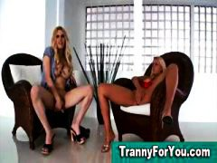 Tranny and blonde get off in threesome