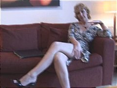 Attractive mature milf in stockings s...