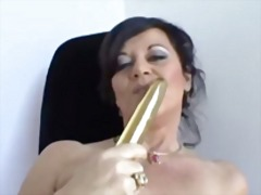 MOMMY WANTS BIG COCK BUT NOW GOLD DIL...