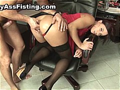 Horny whore gets her gaping asshole p...