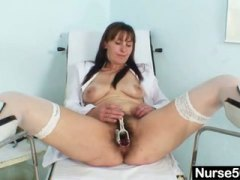 Mature mom karin shows off hairy puss...