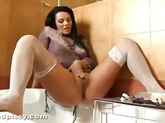 Tube8 - Milf plays in her own piss