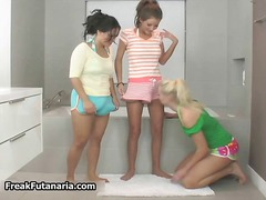 DrTuber - Three horny babes getting horny rubbing part3