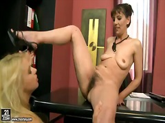 BeFuck - Two lesbian sluts, gina red and nikky thorne freaks fucking their shaved pussy.