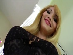 Sultry shemale eva lin strokes her cock