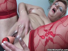 Alpha Porno - Mature mom in kinky outfit rubs her clit and squirts
