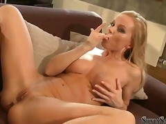 Silvia saint is too hot to stop playi...