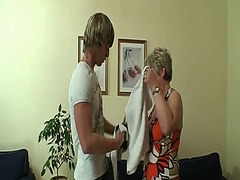 Tube8 - Young stud drills her old snatch