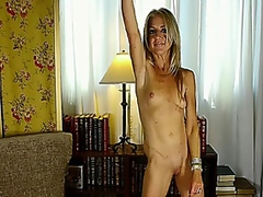 ava mature with wonderful pussy