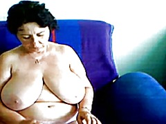 Smal movies of a granny in a web cam r20